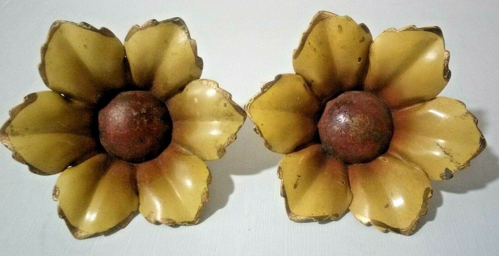 Pair Metal Brooch, Vintage Retro Flower Push On Pin